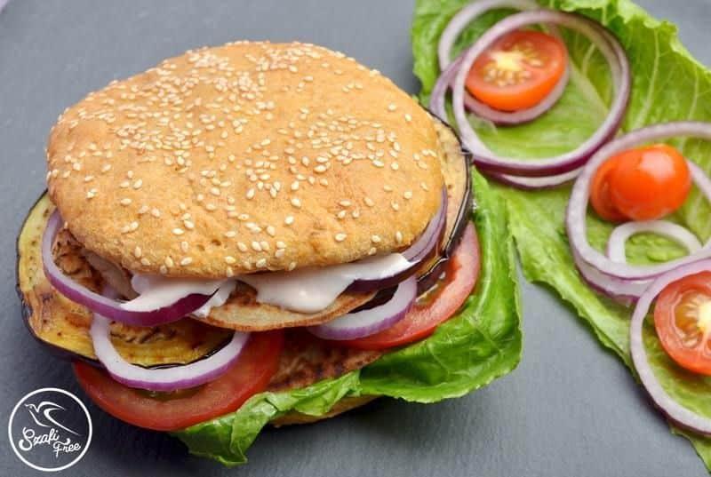Szafi Free vegane Hamburger Brötchen oder Wasserbrötchen (glutenfrei, milchfrei, eifrei, sojafrei, hefefrei)