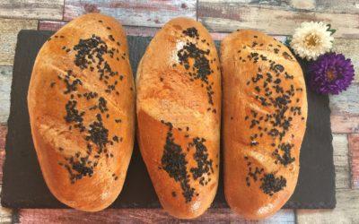 Kohlenhydratreduziertes (enthält ca. 1,5 Gramm Kohlenhydrate) light paleo Brot, Laib, Brötchen, Hörnchen oder Baguette
